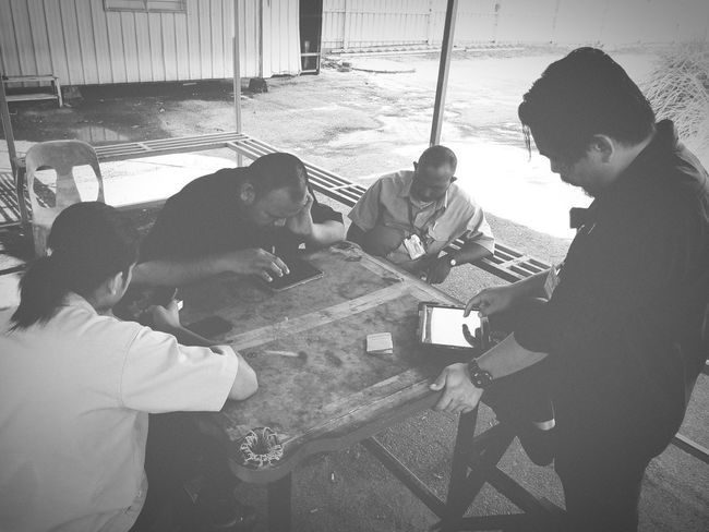 Clash Of Clans Enjoying Life Gamers Relaxing Golden Hour EyeEm Malaysia Phoneography Black & White Bnw Bnw_collection