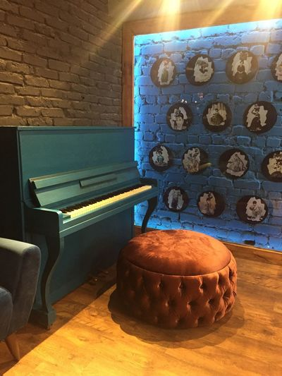Indoors  Table No People Day Piano Interior Design Relax Music Is Life Room Decor Shadow Mebel