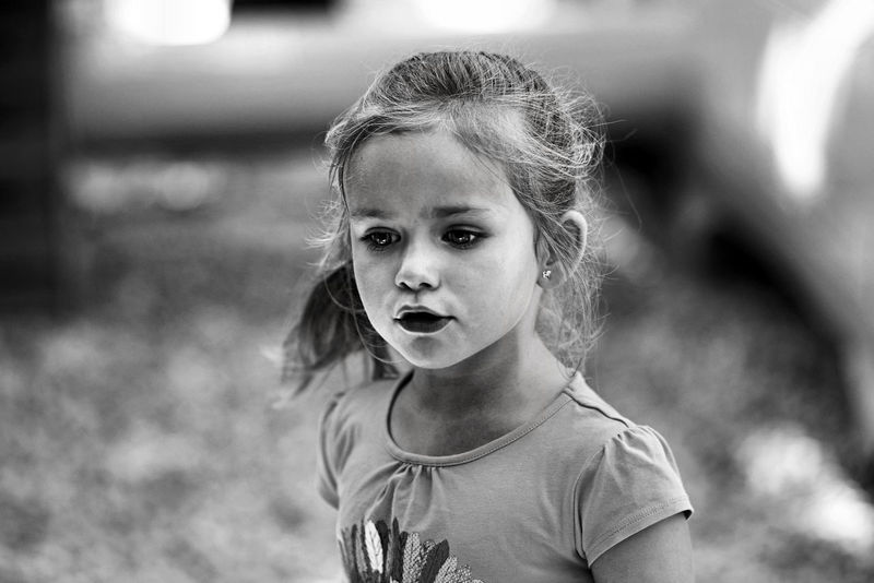Monochrome Photography Focus On Foreground Portrait Close-up Human Face Childhood Blackandwithe ArtWork Standing Noiretblanc PortraitPhotography Portrait_shots Fine Art Photography Lifestyles Indoors  France🇫🇷 Nikon Photography Artworks Like4follow F4F Photoftheday Artistic Expression Fragility Curiosity Innocence