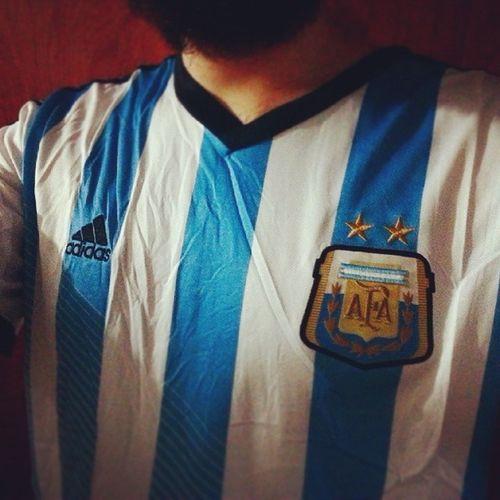 VAMOS ARGENTINA!!!! Fuckinggermans Alemanesputos Brazilerosputos lo merecimos y nos lo robaron. Pero igual los sigo bancando! GRACIAS ARGENTINA! Graciasargentina