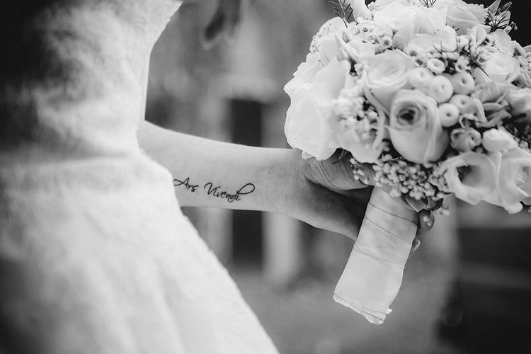 Ars Vivendi Ars Vivendi Ultralicht Hochzeitsfotograf Brautstrauss Braut