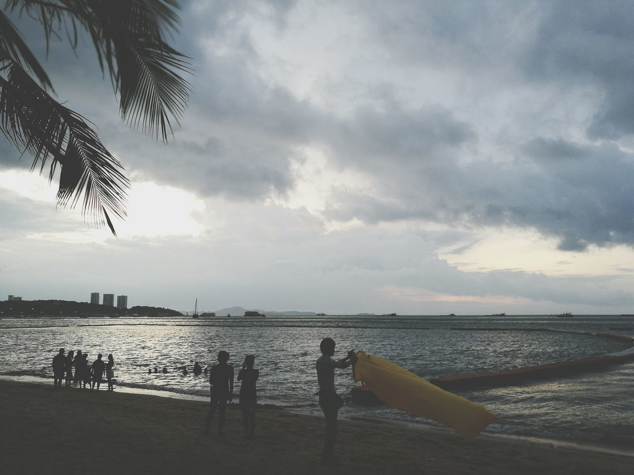 water, sky, sea, beach, nature, cloud - sky, outdoors, scenics, horizon over water, real people, beauty in nature, day