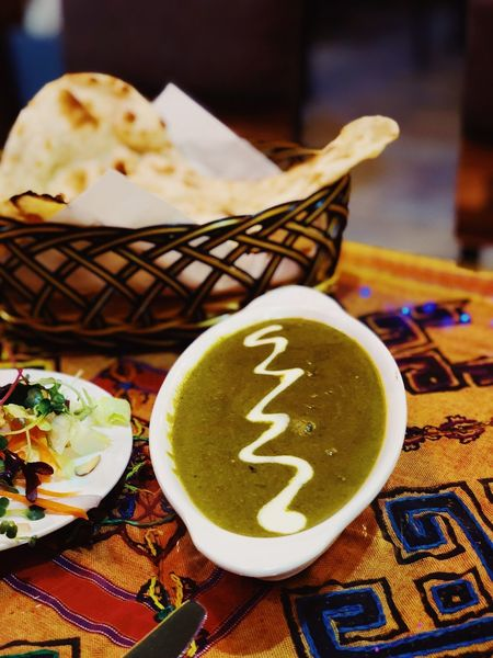 Palak Paneer Palak Paneer Naan Curry Indian Food Food And Drink Food Plate Indoors  Table Freshness No People Ready-to-eat Close-up Unhealthy Eating