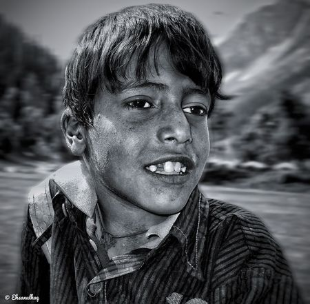 iehsanulhaq A very deep secret truth in us, when needs to be said, needs no style ,poetry...... . Behind the lens:>@iehsanulhaq Kashmir Convexrevolution Lensculture Streetphotographyindia Kashphotoclub Weekly_feature Indiapictures Creativeimagemagazine Suretialem Worldtraveler Bnw_captures Flair_bw Ir_photographers_club Storytelling Weeklyfeature Gettyimages Bnw_creatives Hikaricreative Lenspersia Bnw_planet One__shot__ India Reportagespotlight Captivatingkashmir Bnw_sundays _soi Chicago Bnwsouls Creative NETGEO Portrait Human Face Headshot Looking At Camera Water Men Front View Close-up Sky