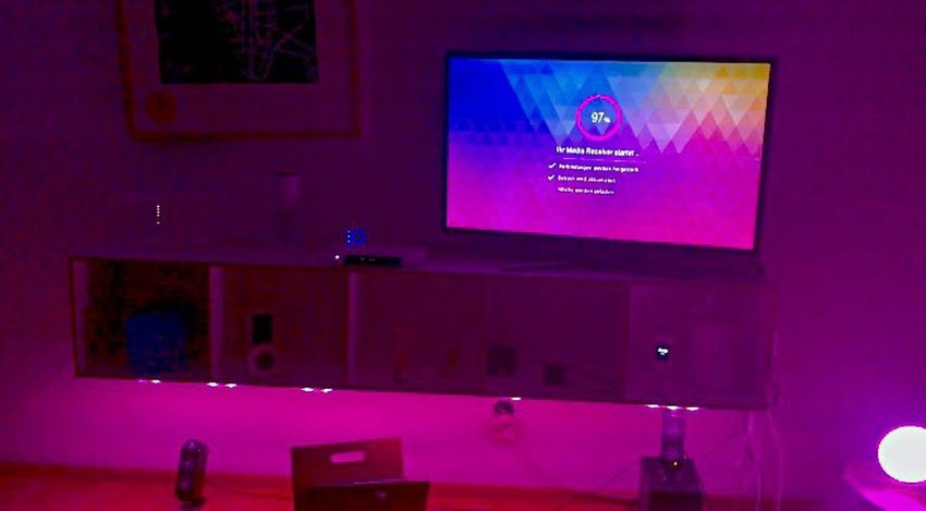Entertain EntertainTV Telekom Pink Color Magenta Tv Fernseher Hues Indoors  Lights Room Decor Berlin My Hometown