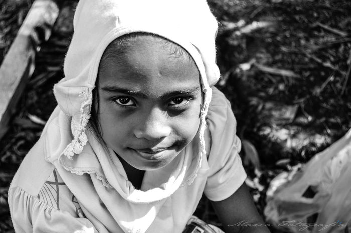 Child Headshot Innocence Looking At Camera Portrait Rebuildingyourlife Typhoon Haiyan YolandaPh