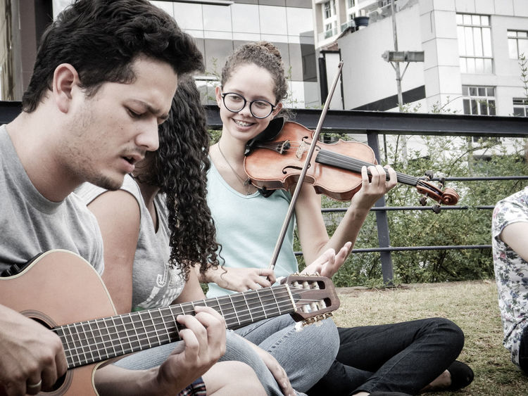 For The Love Of Music Violin Making Music Streetmusicians Music Brings Us Together
