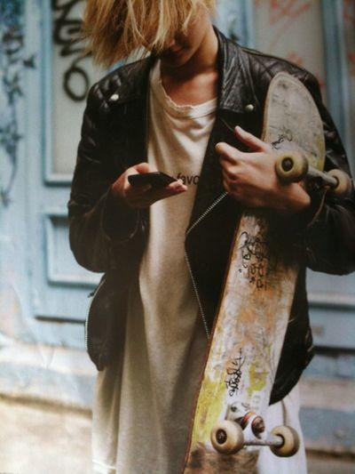 Taking Photos Hanging Out Avant Gardiste Soft Grunge Skater Girl Vansoffthewall Indie Skater Boy<3