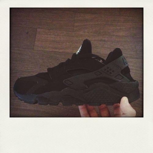 Nike Huruache Black Sneakers