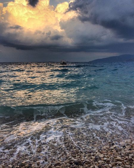 Stormy sea EyeEm Gallery Sea Water Sky Cloud - Sky Scenics - Nature Land Beauty In Nature Beach Nature Wave Dramatic Sky Outdoors