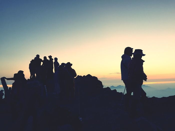 Clear Sky Silhouette Leisure Activity Photography Themes Outdoors Nature Large Group Of People Beauty In Nature Crowd Sunrise_Collection Sunrise Eye4photography  Mountain Range Mountain Peak Mountain_collection Mountain Good Times