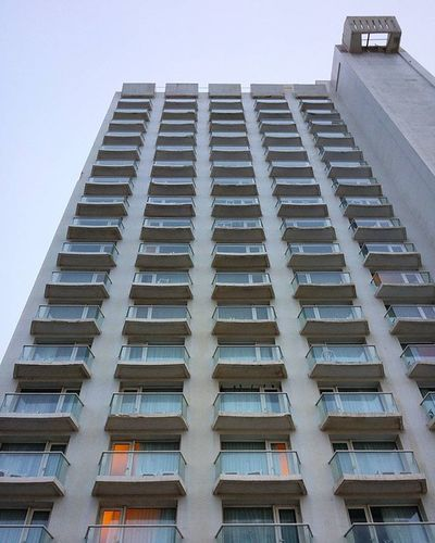 🏢 Israel Telaviv Nightout Travelingram Travel Seetheworld  Seethesites Wanderlust Family Familyholiday Nofilter Skyscraper Highrise Citylife Building Throwback Latergram