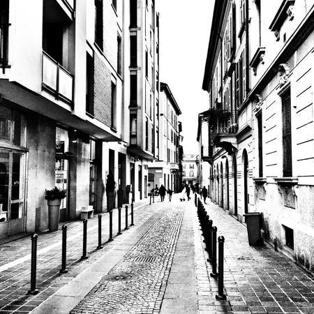 The streets of Monza Streetphotography Streetphoto_bw Cityscapes Blackandwhite Street Streetart Italy Walking Around Check This Out