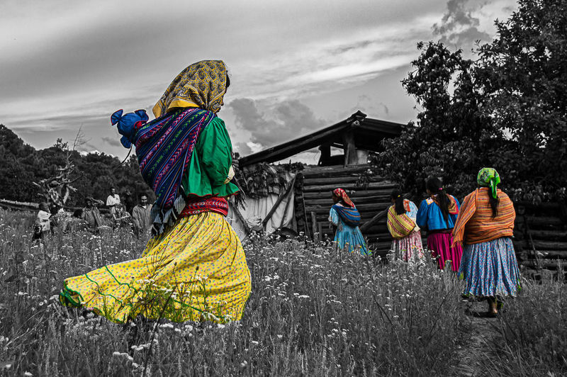 Colors Raramuri Raramuri Tarahumara Sierra Tarahumara Clothing Colorful Clothes Group Of People Indigenous People Lifestyles Traditional Clothing