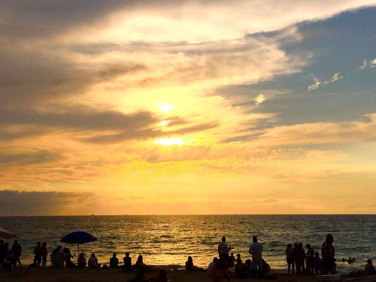 Sunset Beach Ocean Puerto Vallarta Mexico 2016 Showcase July 43 Golden Moments People Watching Sunset Colorful Sky People Together People Together By August 3 2016 Color Palette Festive Season What's On The Roll Colour Of Life Color Palette Festival Season Eyeemphoto Music Brings Us Together A Bird's Eye View My Favorite Place People And Places
