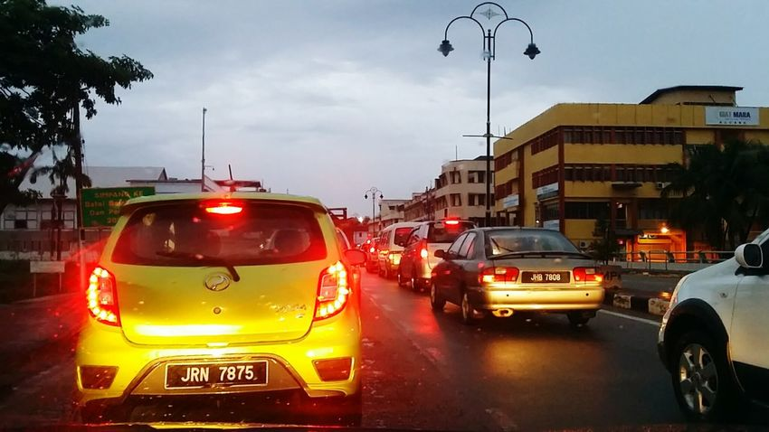Adventures In The City Mode Of Transportation Car Motor Vehicle Transportation Street City Wet Rain Traffic Sky Land Vehicle Road Taxi City Street Architecture City Life Cloud - Sky Motion Street Light Traffic Jam Kluang Famous KluangMan Lifestyles Urbanphotography