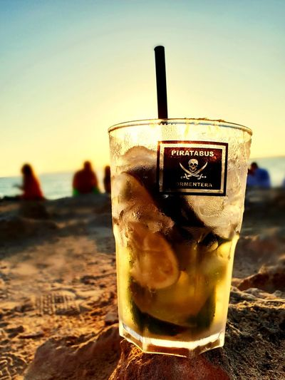 Sunshine, caipiriña and love Caipirinha Formentera Laislabonita Lime Cocktail Sunshine Ice Sea EyeEm Selects Cold Temperature Drink Beach Sunset Drinking Glass Sea Alcohol Ice Cube Mojito Sand Tropical Drink First Eyeem Photo Summer In The City Be Brave EyeEmNewHere