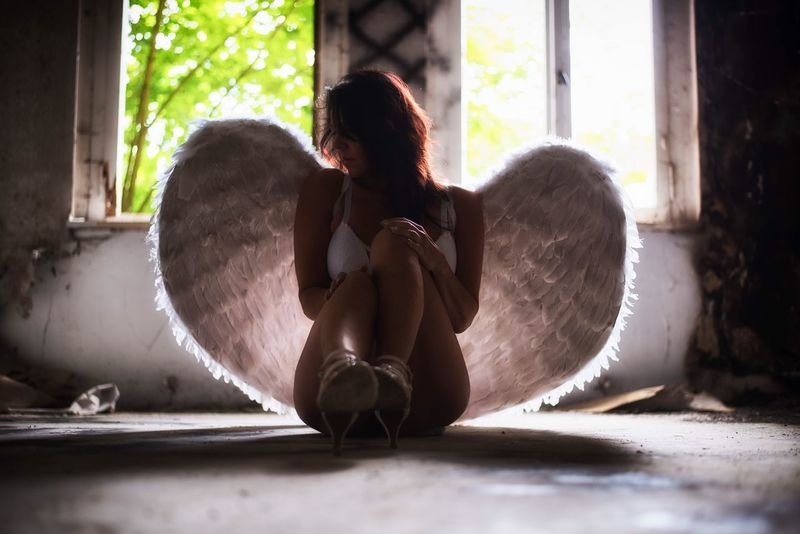 White Angel Female Sensual 💕 Women The Portraitist - 2016 EyeEm Awards Woman Portrait Women Of EyeEm Sexywoman PortraitPhotography Woman Selfie Portrait Myself Portraits Women Portraits Portrait Of A Woman Female Portraits Sensual_woman Angel