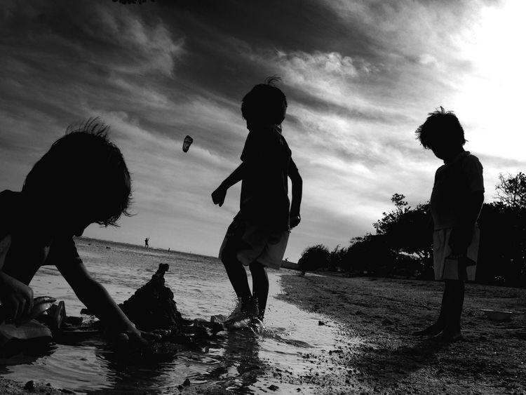 My loves. Beach Brothers Family Blackandwhite NEM Black&white EyeEm Best Shots Shootermag IPhoneography The Human Condition AMPt_community