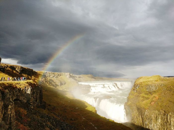 Gullfoss Rainbow Gullfoss Gullfoss Waterfall Hvítá Canyon Icelandic Landscape Weather Iceland Climate Travel In Iceland Spectrum Hot Spring Water Waterfall Power In Nature Spraying Multi Colored Mountain Motion Rainbow Overcast Atmospheric Mood Dramatic Landscape Majestic Dramatic Sky