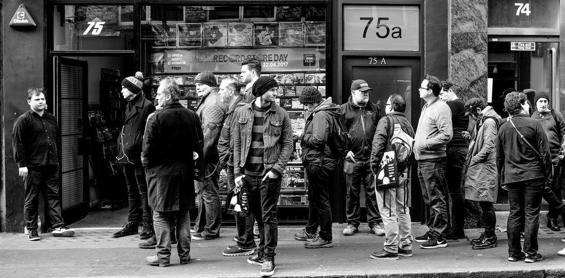 2017 SisterRay Large Group Of People Queuing Soho London London Vinyl Records Fujifilm Xpro2 Xpro2 B&w Street Photography Recordstoreday