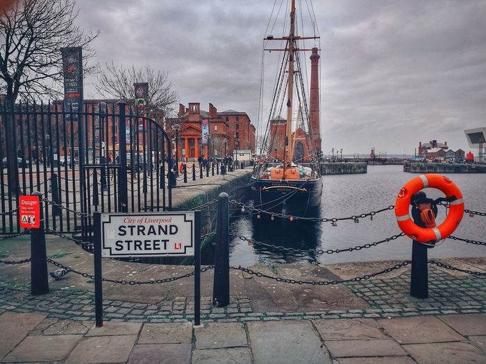 Liverpool Docks Shipping Docks Grey Sky Rivermersey Chillout Day Travel Destinations Pirates Warning Sign City Cloud - Sky Day