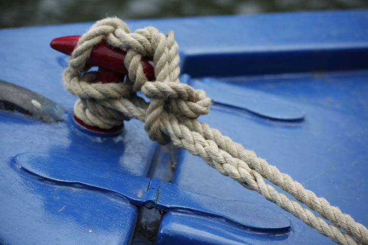 Knot 3XPUnity Taking Photos Close-up Close Up Photography Thick Nautical Equipment Sport Nautical Vessel Tied Up Blue Strength Tied Knot Rope Close-up Twisted Tying