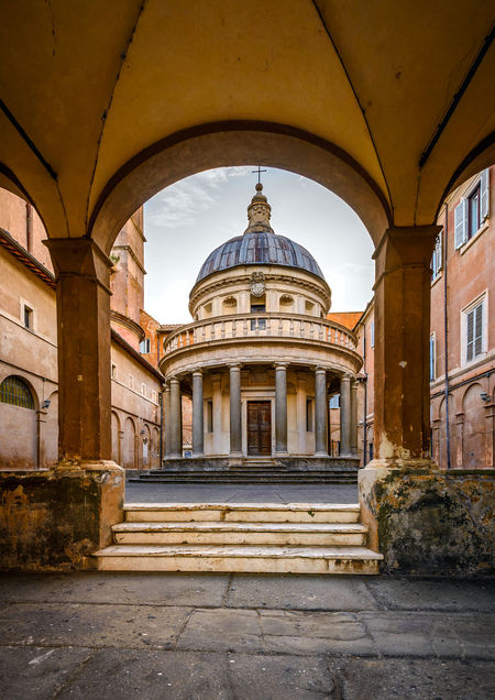 Chiesa di San Pietro in Montorio Basilica Italia Rotunda Dome San Pedro Tourist Arch Architectural Column Architecture Blue Sky Building Exterior Built Structure Day History No People Outdoors Sky Stone - Object Visit Italy Your Italy