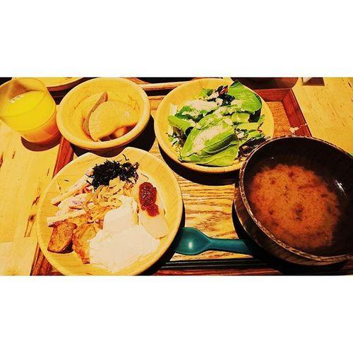 ∴有機野菜とか健康バイキング🍴🍆🍅🌽 京都は時間がのんびり過ぎていく感じがほんとすき。 四条通り 有機野菜 ハイキング 都野菜 賀茂 京都 Kyoto