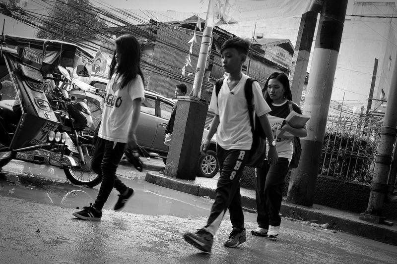 Student life School Uniforms Around The World Schoollife Student Life Blackandwhite Flooded Streetphotography Wheninmanila InRealLife Sony Photography Sony Qx100 CarlZeiss Mobilephotography