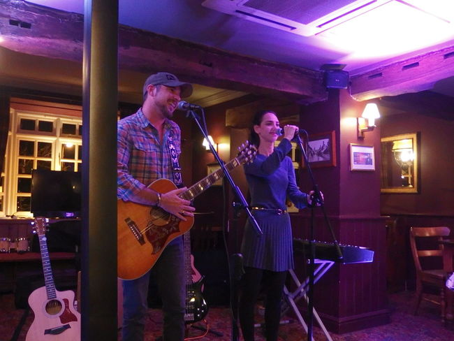 People And Places Steve & Lucy Music Live Openmic Gig WelwynGardenCity Uk England Live Music CowperArms Acoustic Guitars Gibson Hummingbird