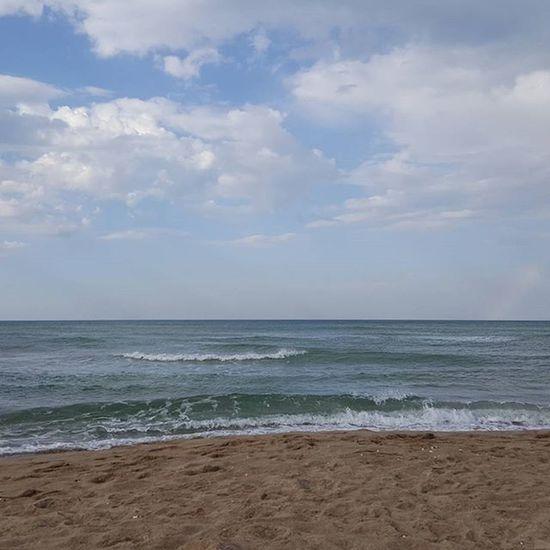 Sea after the storm... Afterthestorm  Seasideitaly Seaside Mare Beach Spiaggia Temporaleinspiaggia Quietedopolatempesta Puglia Italy Volgopuglia Provinciadifoggia Southernitaly Estate2015 Summertime Volgofoggia Thisispuglia Volgofoggia_