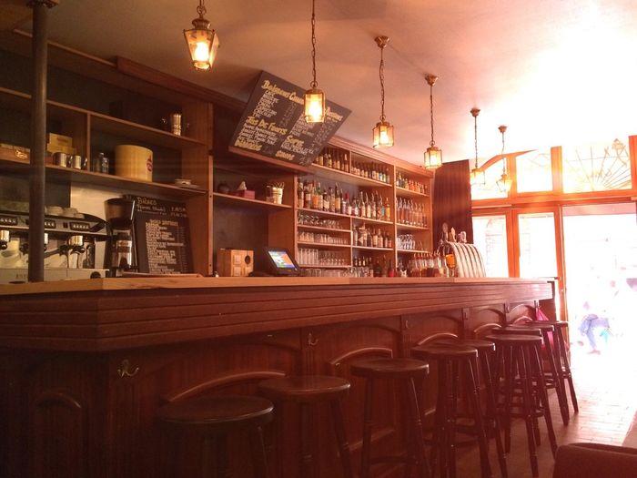 un petit bar en