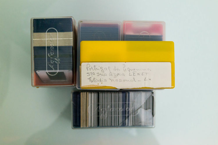 Agfa Close-up Cursive Cursive Writing Day No People Slides Yellow Paint The Town Yellow