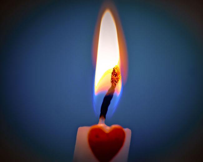 Kerze Spark Plug Birthday Burning Candle Celebration Fire - Natural Phenomenon Flame Heat - Temperature Illuminated Indoors  Melting No People