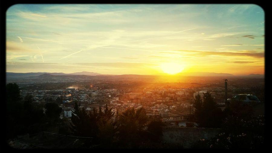 Vista atardecer en Granada desde San Cristobal. Granadaturismo Andalucía SPAIN