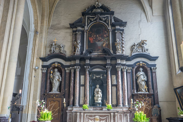 Madonna Mary Baby Jesus Marble Michaelangelo Monument Religion Sculpture
