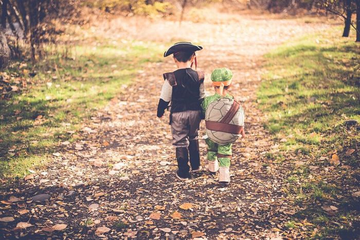 Late post, but I found the two cutest little gents I ever did see 😍😍😍! Full Length Childhood Outdoors People Day Adult Nature Period Costume Pirate Ninja Turtles Boys Littlebrother Bigbrother EyeEm Best Shots Eye4photography  PNW Bestfriend Bestfriends