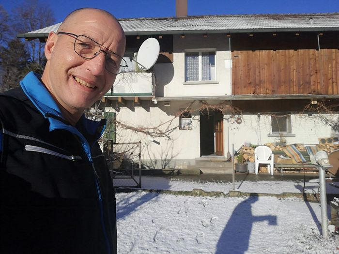 My home is my castle Zuhause Myhome Shadow Schatten Schattenspiel  Sun Sonne Good Morning Snow Schnee Winter January 2019 Smiling Men Portrait Standing Senior Adult Sunlight Cheerful Sky Architecture Hair Loss Settlement Shaved Head Blazer - Jacket Focus On Shadow Receding Hairline Residential Structure