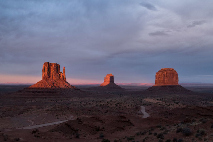 sunset at monument valley Arizona Monument Valley USA Beauty In Nature Desert Landscape Nature Outdoors Sky Sunset Tranquil Scene Tranquility