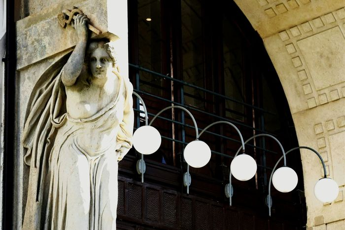 Bulbs in Görlitz :: Lampost Monday Lamppost Monday