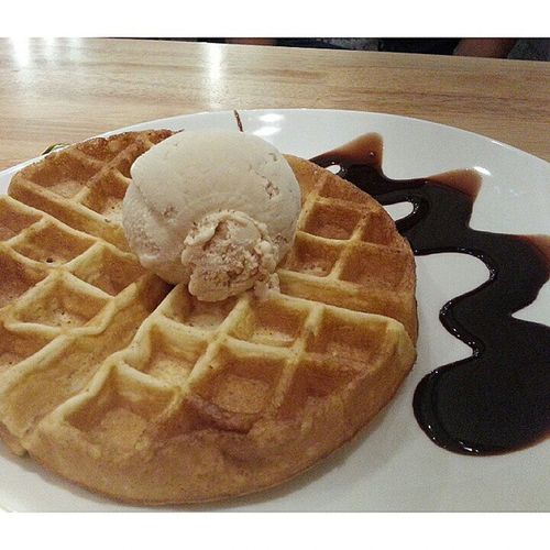SECOND ROUND of ice cream after dinner today Tgif Udders Baileywithwaffle Withloves