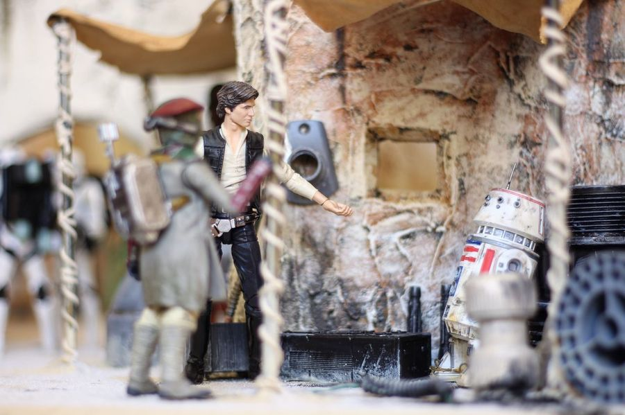 """500 credits? It's a piece o' junk!"" Sandtrooper Moseisely Hasbro Blackseries Starwars Diorama Toy Photography Canon700D Han Solo"