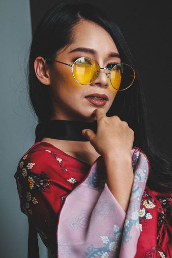 Only Women One Woman Only Adults Only One Person Adult One Young Woman Only Eyeglasses  Portrait People Young Adult Beautiful Woman Studio Shot Fashion Young Women Looking At Camera Women Multi Colored Beautiful People Indoors  Beauty
