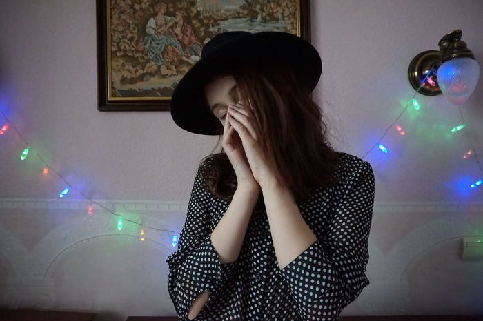 One Woman Only One Person Brown Hair Lights And Shadow Girlfriends Hatter Homesweethome Picture