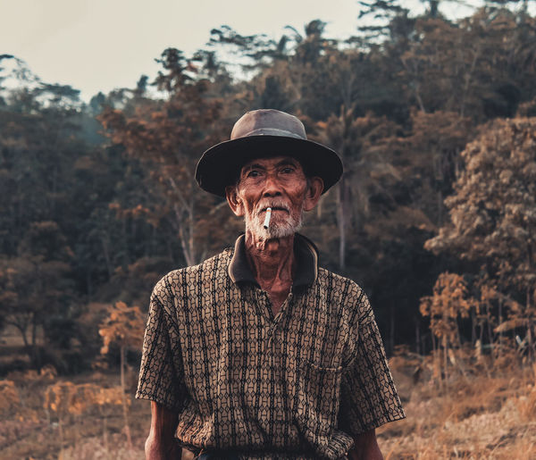 One Man Only Senior Adult Only Men Waist Up Adult Adults Only One Person One Senior Man Only Portrait Human Body Part Men People Farmer Rural Scene Nature Outdoors Working Seniors Day Old But Awesome Old Architecture Old-fashioned Oldpicture Oldphoto Old Photo Oldman EyeEm Ready   AI Now