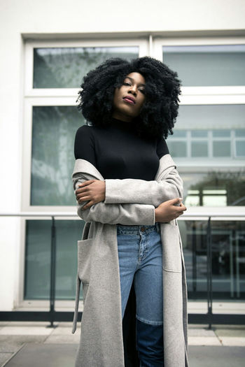 Fashion Fashionportrait Portrait People City Bloggers Clothing Brand Street Photography Urban Birmingham Adults Only Fashion One Woman Only Individuality One Person Outdoors Only Women Curly Hair Afro Day Adult Young Adult Business Finance And Industry