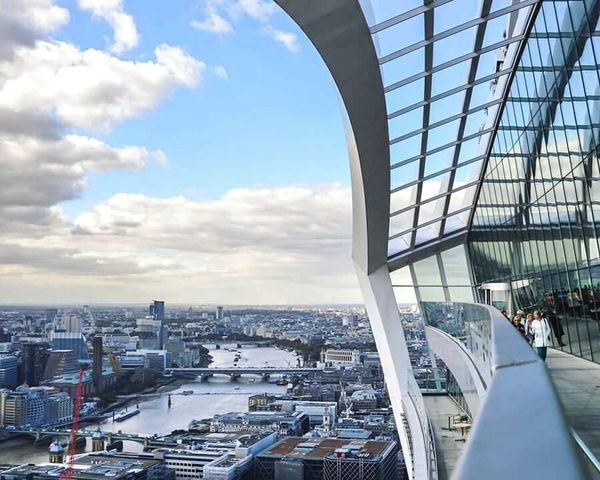 Sky Garden London Architecture Sky Pod Walkie Talkie London City Theems London Eye Skyline Building Exterior Built Structure Transportation Office Building Modern Mode Of Transport Reflection Glass Cloud - Sky Cloud Day Travel London Lifestyle