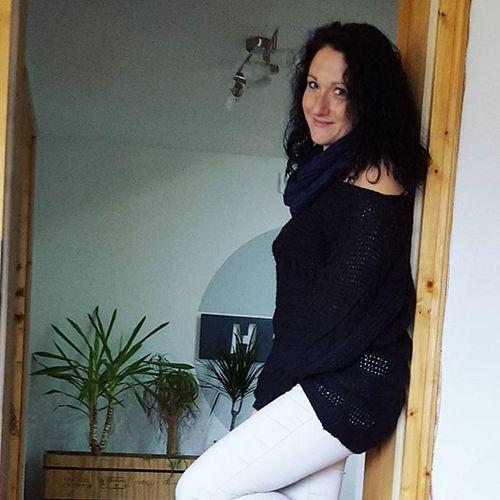 Outfit of the Day ♡helle Hose und schwarzer lockerer Strickpullover. Ootd Happy Weekendtime Weekend Samstag Instafashion Fashioninsta