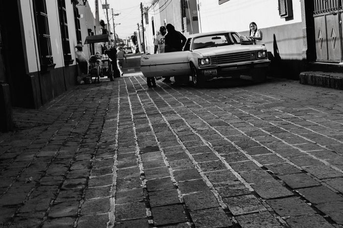 Streetphotography Streetphoto_bw Street Photography Street Black & White Black And White Blackandwhite Black&white Monochrome Punto De Fuga B&w Street Photography